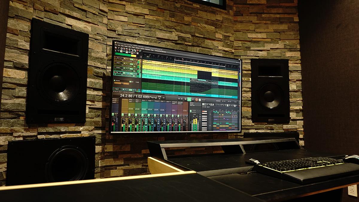 DYNAMIK Studio Monitors