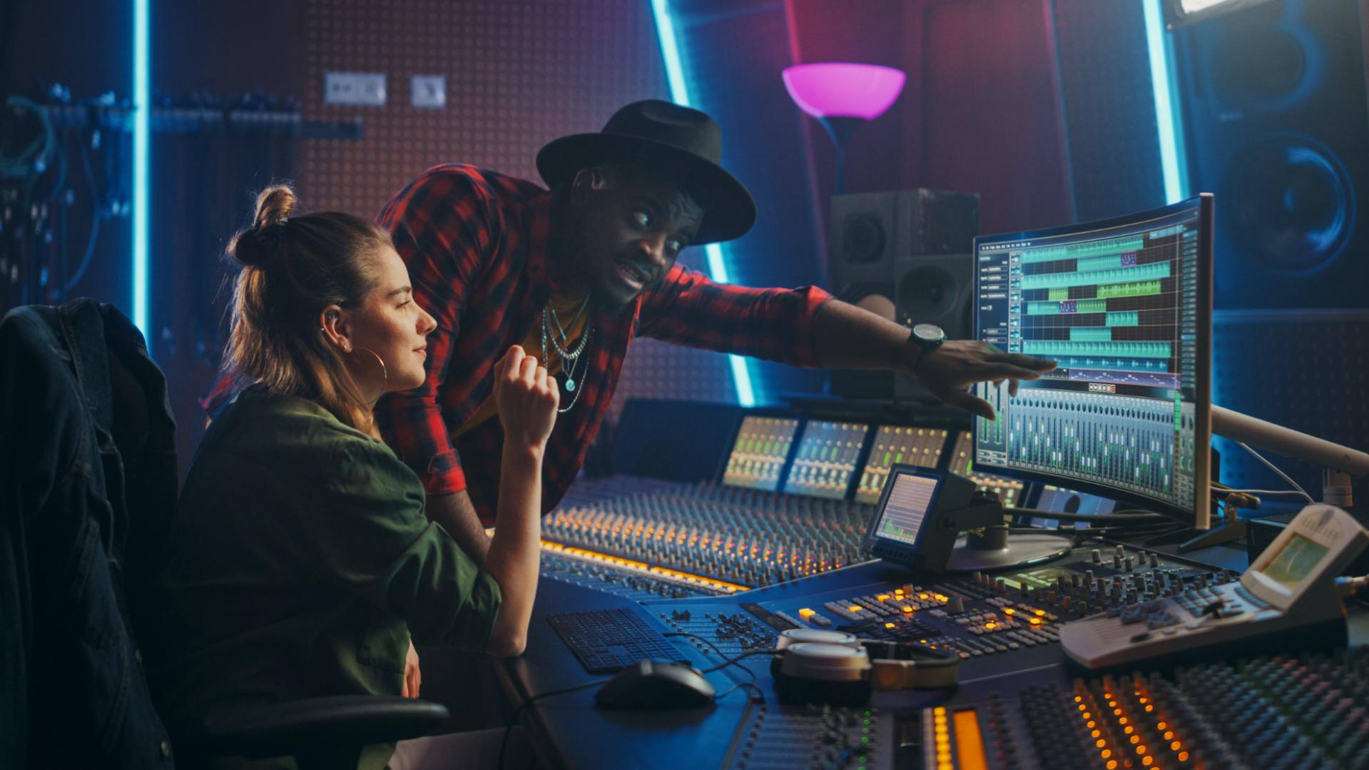 Sản xuất âm nhạc Dynamik Pro
